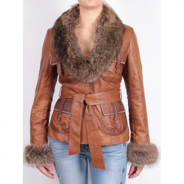 Women-shearling-sheepskin-jacket-kareena